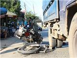Tai nạn thảm khốc, nạn nhân bay vào gầm xe tải