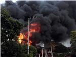 CHÙM ẢNH: Kinh hoàng đám cháy cửa hàng chăn ga gối đệm, khiến 2 người chết