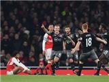 Arsenal 0-2 Southampton: Đá đội hình 2, phòng ngự tệ hại, 'Pháo thủ' hết bất bại