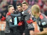 Lewandowski lập cú đúp, Bayern ngược dòng ngoạn mục, tạm lên đầu bảng