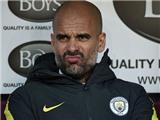 Guardiola biện minh thế nào cho pha bóp cổ Fabregas của Fernandinho?