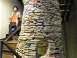Dựng tòa tháp bằng một vạn cuốn sách để phản đối học hành 'nhồi nhét'