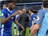 Pep Guardiola 'kêu oan' vụ không bắt tay Cesc Fabregas