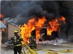 Tàu chở khí đốt trật đường ray và phát nổ, 4 người chết, 25 người bị thương
