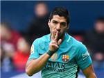 QUAY CHẬM: Suarez đã việt vị khi khai thông thế bế tắc cho Barcelona