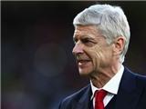 Wenger báo hung tin sau khi Arsenal soán ngôi đầu bảng của Chelsea