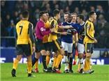 Vì sao đến giai đoạn KHỐC LIỆT Arsenal lại có dấu hiệu đi xuống?
