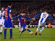 Messi 2 lần đi bóng qua 4 người, khiến HLV Espanyol phải đến ôm chúc mừng