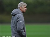 Arsene Wenger 'cầu cứu' David Beckham giải quyết vấn đề của Arsenal
