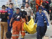 Chùm ảnh: Cháy tàu ở Indonesia khiến 60 người thương vong và mất tích