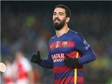 Chuyển động ở Camp Nou: Tiền bạc có dụ dỗ được Barca?