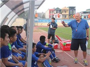 HLV vô địch Champions League chinh phục cầu thủ FLC Thanh Hóa như thế nào?