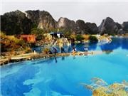 VIDEO Hồ nước xanh ngắt ở Thủy Nguyên, Hải Phòng hút khách