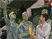 Djokovic ăn mừng 'dị' sau khi đánh bại Murray, vô địch Qatar Open