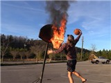 Ngỡ ngàng trước những pha ném bóng rổ từ khoảng cách không tưởng