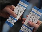 CHOÁNG: Vé nghe ông Obama phát biểu chia tay được rao bán 10.000 USD/cặp