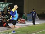 HLV từng vô địch Champions League chê cầu thủ Việt chỉ biết phá bóng