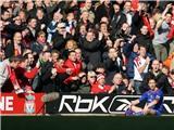 Gary Neville: 'Họ chửi tôi, chửi mẹ tôi. Nhưng trận chiến với Liverpool luôn là số 1'