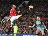 Ibrahimovic sánh ngang thành tích ghi bàn của Aguero và Shearer