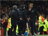 Mourinho và Klopp tranh cãi nảy lửa vì tình huống phạm lỗi 'chiến thuật' của Herrera