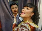 Táo Quân 2017: Tự Long hoảng, đang thay áo bị Vân Dung mở rèm