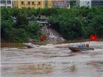 Điều chuyển 3 cảnh sát giao thông đường thủy Hà Nội sau vụ xả thải xuống sông Hồng