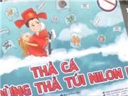 Thanh niên Hà thành kêu gọi 'Thả cá đừng thả túi nilon'