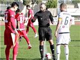Hai đội cùng CỐ TÌNH đá hỏng penalty để phản đối trọng tài