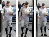 Lộ diện sau scandal, David Beckham tươi cười, Victoria nổi bật