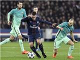 Verratti hay quá thể đáng, đá như 'chơi đùa' với Iniesta, Busquets