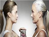 Uống nước bằng ống hút, không ăn chất béo... khiến cơ thể lão hoá sớm!