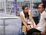 Trấn Thành nhắc nhở Lê Lộc ăn mặc hớ hênh trên sân khấu nghiêng