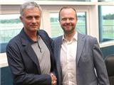 Mourinho chuẩn bị được Man United thưởng lớn