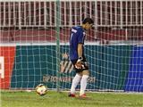 Những 'trò lố' của thủ môn Minh Nhựt trên sân Thống Nhất
