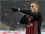 Milan thắng kịch tính Fiorentina bởi một 'người thừa'