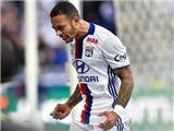 Cựu sao Man United bỏ lỡ cơ hội KHÔNG THỂ TIN NỔI trong màu áo Lyon