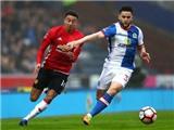 Mourinho gật gù, vỗ tay khen ngợi bàn thắng của Blackburn