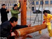 VIDEO: Kỳ quặc môn kungfu luyện 'của quý' rèn bản lĩnh đàn ông