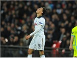 Sốc với tình huống phạm lỗi của Dele Alli trong ngày Tottenham bị loại khỏi Europa League
