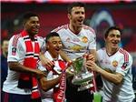 Phải có thêm cúp Liên đoàn, Man United mới bằng được... Liverpool