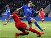 CĐV Liverpool sốc khi Nathaniel Clyne làm điều này lúc đang thua Leicester